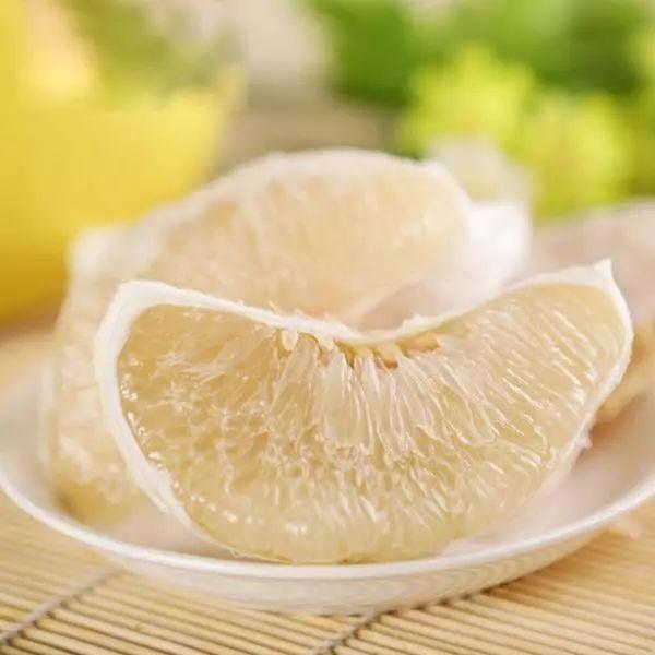 58岁男子吃柚子连路都走不动了,别这样吃!这6类药