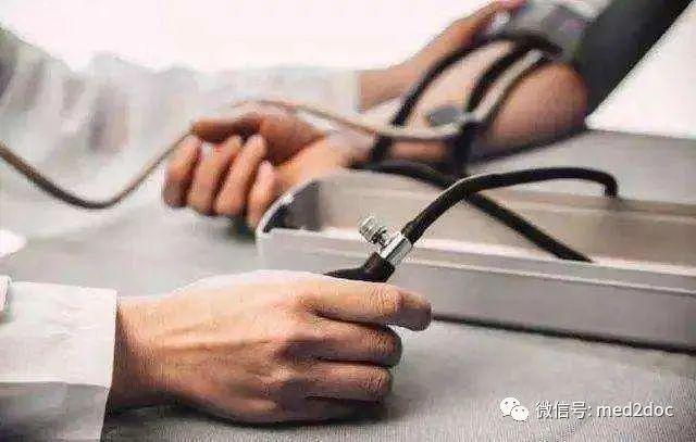 一到医院血压就偏高?这种高血压潜在危机多